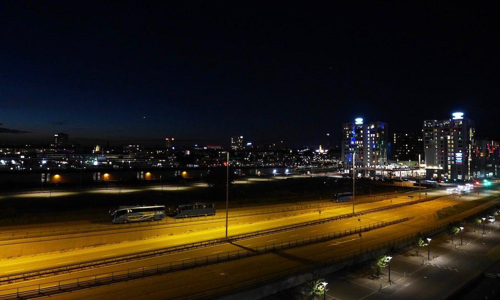 Kopenhagen bei Nacht, Blick aus dem Fenster des Copenhagen Island Hotels