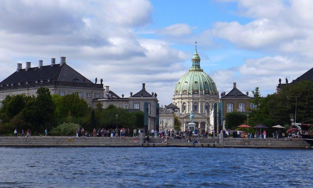 Das Schloss Amalienborg vom Schiff aus
