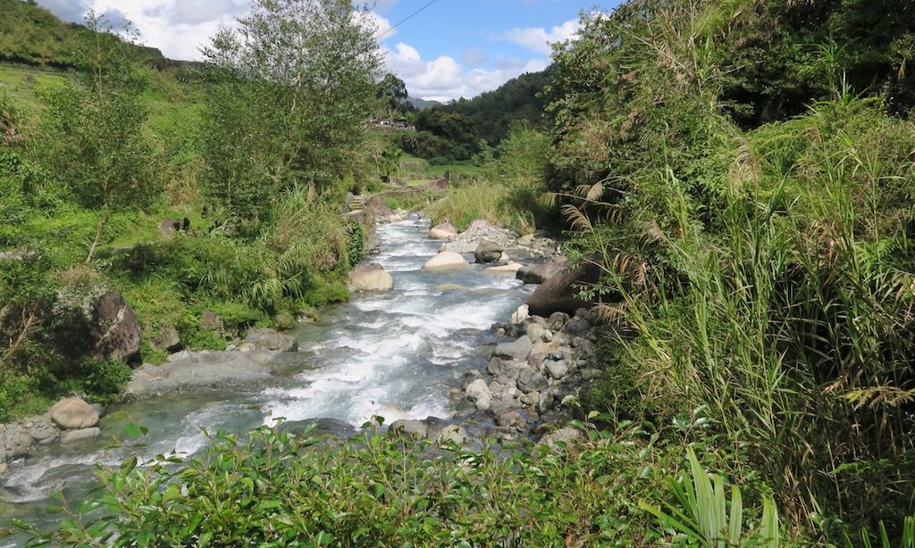 Fluss in Hapao der zu den Hotsprings führt