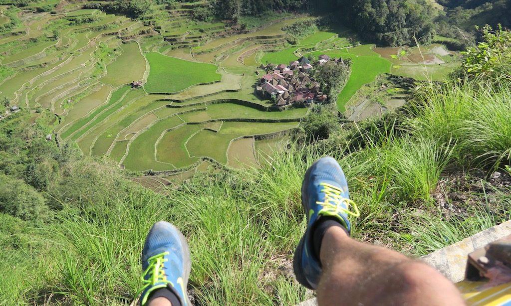 Bangaan Village mit Fuss des Fotografieren