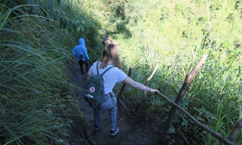 Tourguides und Touristen wandern nach Buscalan