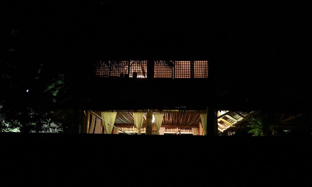 """Eine Unterkunft des """"Les Maisons d'Itacs"""" in Ronda bei Nacht"""