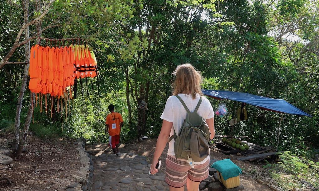 Eingang zu den Cambugahay Falls