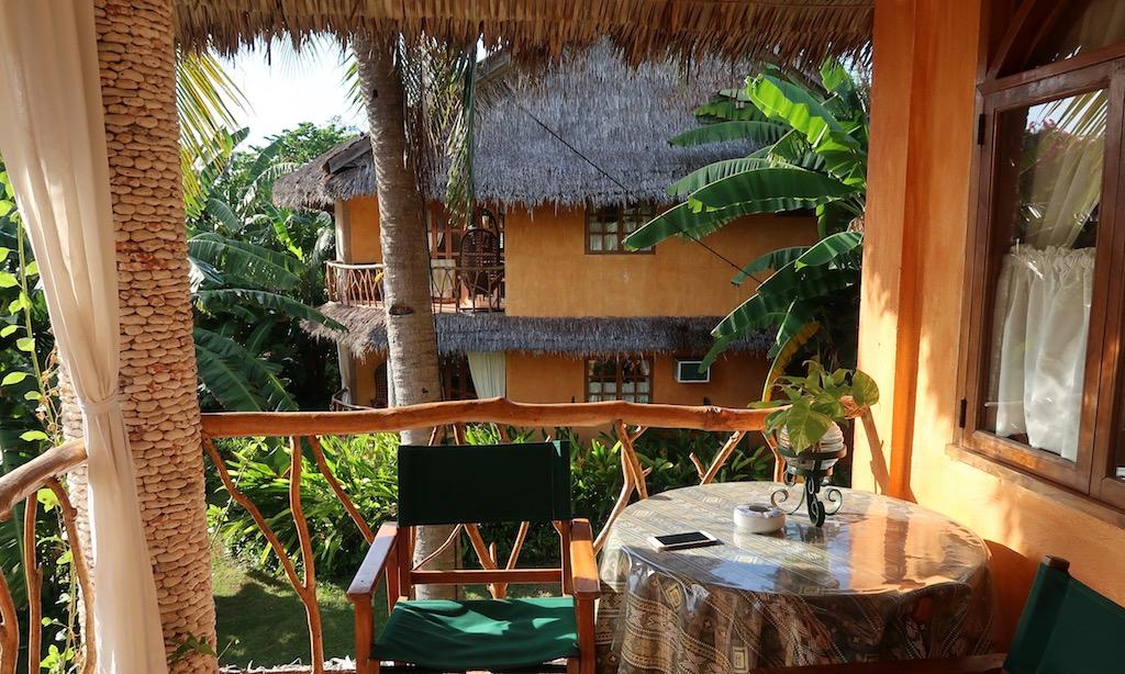 Balkon des Executive Rooms vom Coco Grove Beach Resort