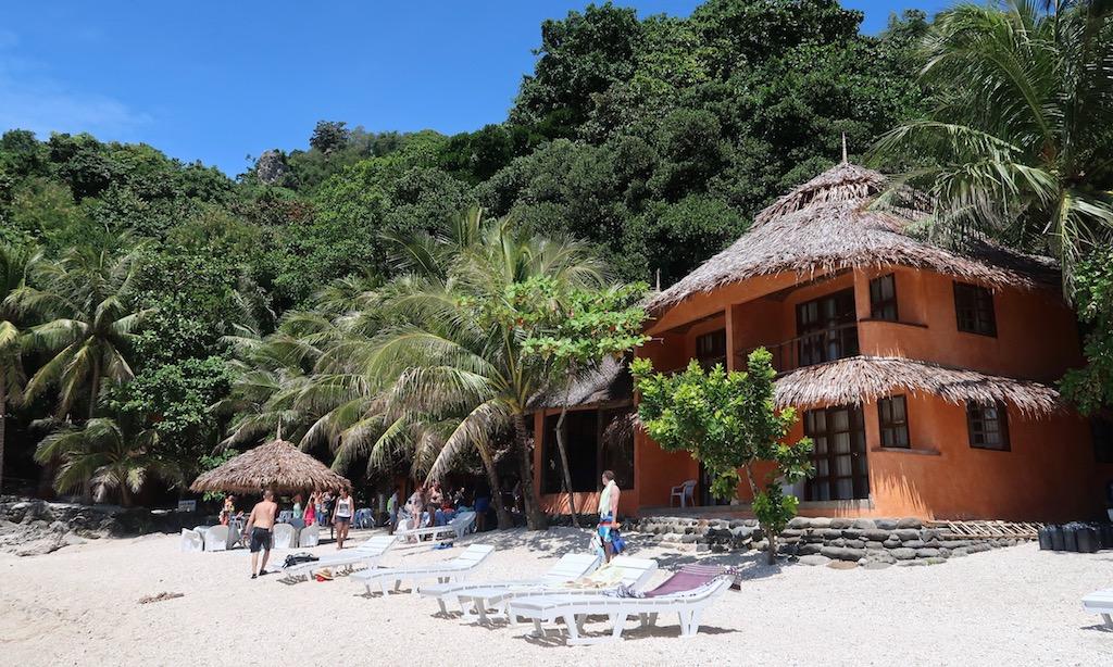 Das Apo Island Beach Resort