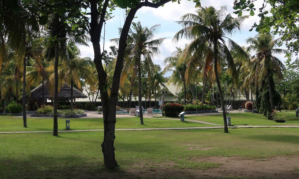 Die Gartenanlage des Sta. Monica Beach Clubs