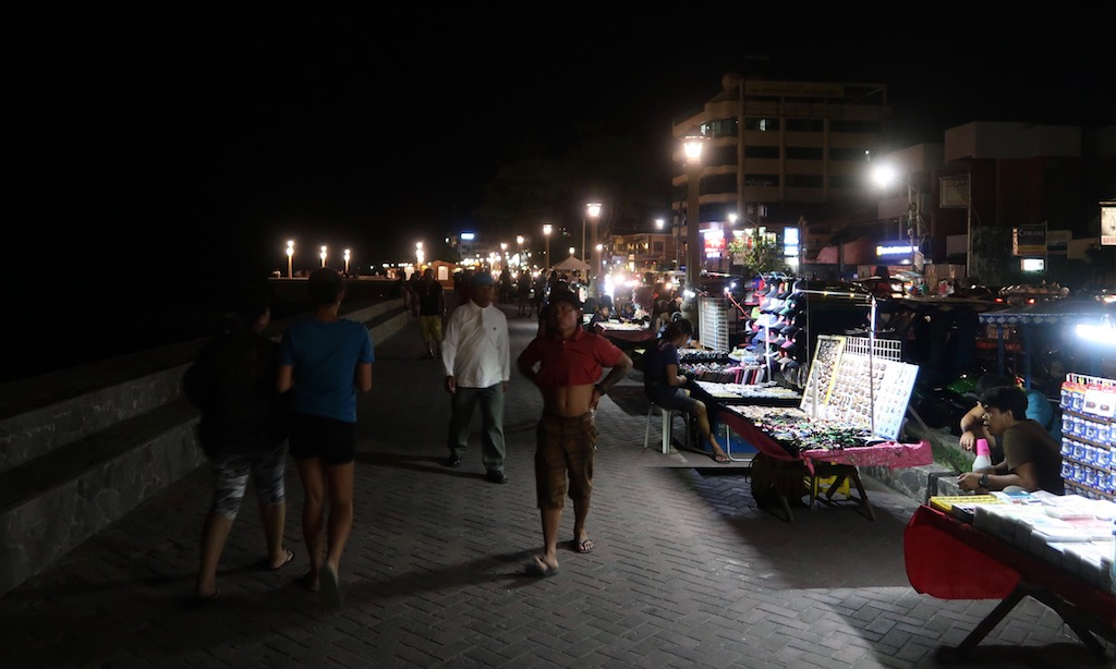Rizal Boulevard in Dumaguette am Abend