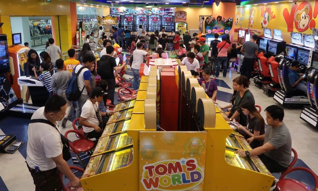 Tom's World, Spielhalle in der Robinson Mall Ermita, Manila